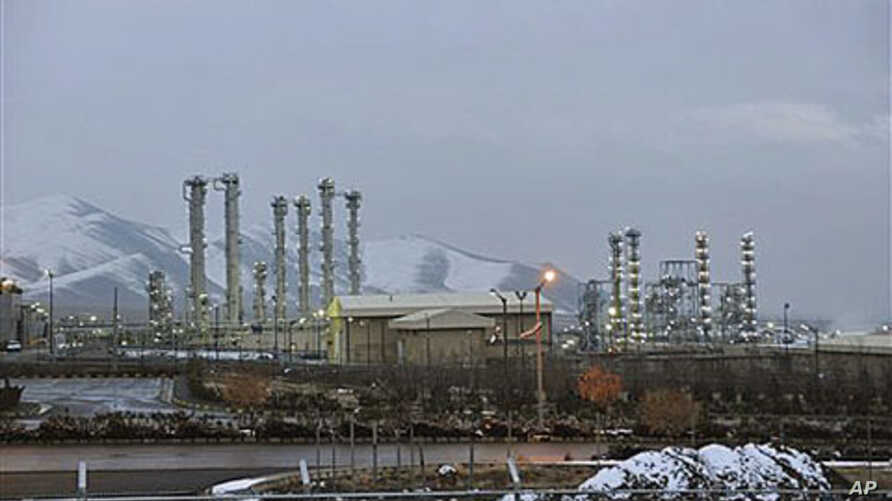 A view of Iran's heavy water nuclear facilities is seen, near the central city of Arak, January 15, 2011 (file photo)