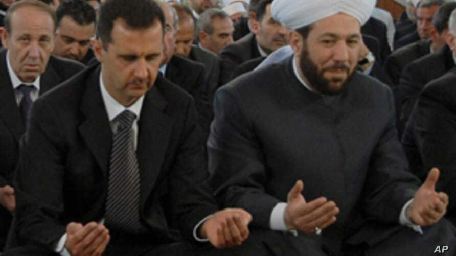 Top Syrian Cleric Warns of Suicide Bombs if West Attacks