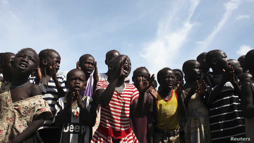 Children are seen at a U.N.-run internally displaced persons camp in Juba, South Sudan, May 6, 2014.