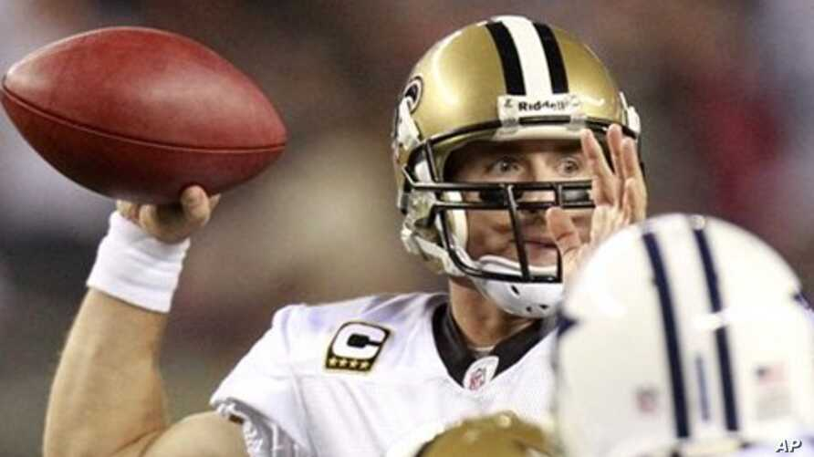 New Orleans Saints quarterback Drew Brees (9) passes during the third quarter of the NFL football game against the Dallas Cowboys, in Arlington, Texas (File Photo - 25 Nov 2010)