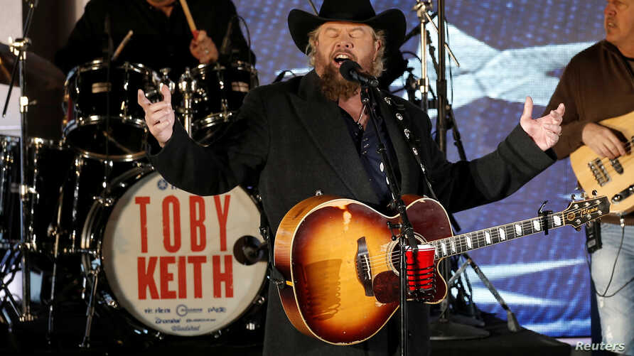 "Toby Keith performs at the ""Make America Great Again! Welcome Celebration"" concert at the Lincoln Memorial in Washington, Jan. 19, 2017."