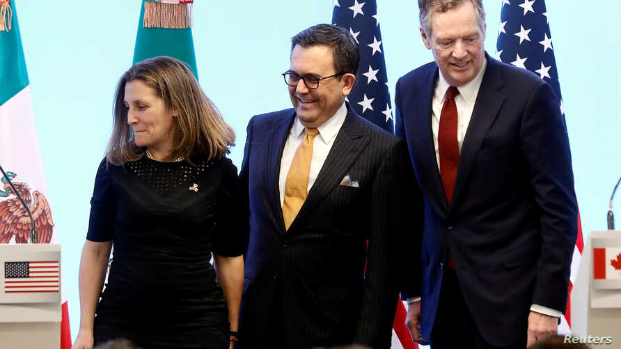 From left, Canadian Foreign Minister Chrystia Freeland, Mexican Economy Minister Ildefonso Guajardo and U.S. Trade Representative Robert Lighthizer take part in a joint news conference on the closing of the seventh round of NAFTA talks in Mexico City
