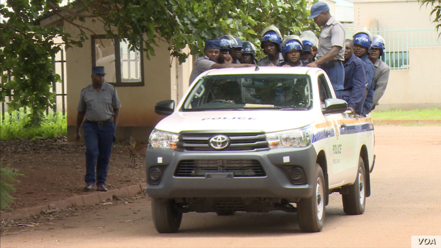 There was heavy police presence in Harare, Jan. 17, 2019, as Zimbabwe returned to calmness following three days of protests that turned violent and saw authorities shut down internet service. (C. Mavhunga/VOA)