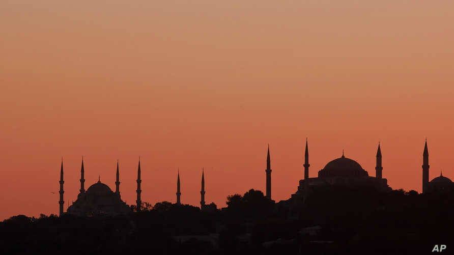 The sunset in Istanbul, Turkey, October 19, 2011 (file photo).