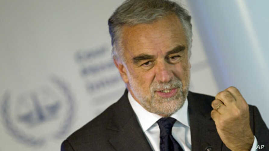 International Criminal Court's chief prosecutor Luis Moreno-Ocampo speaks at a news conference in The Hague, March 3, 2011 (file photo)
