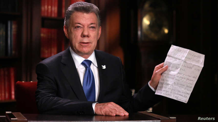 Colombia's President Juan Manuel Santos speaks during a presidential address in Bogota, Oct. 10, 2016.