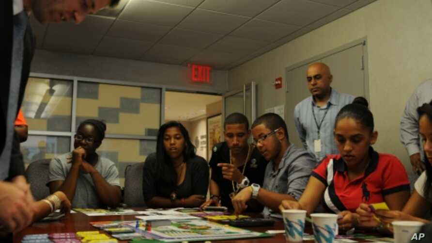 New York City students play Ne$t Egg at the city's Departm