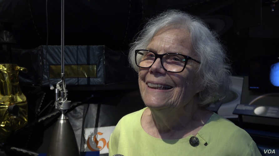 """Sue Finley, 80, is still working at NASA's Jet Propulsion Laboratory in Pasadena, California. She started there in 1958 as a human """"computer,"""" calculating trajectories for rockets. (M O'Sullivan/VOA)"""