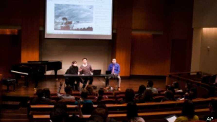 A professional panel gives tips to students in the Center of Music Entrepreneurship program.