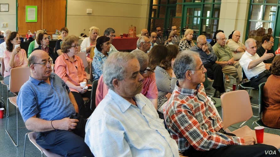 Egyptian-Americans discuss Egypt's political crisis at a meeting in late July