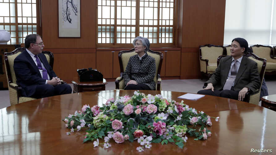 S. Korean Foreign Minister Kang Kyung-wha, Timothy Betts, acting US deputy assistant Secretary, and S. Korean Foreign Ministry's representative Jang Won-sam during their meeting in Seoul, Feb. 10, 2019.