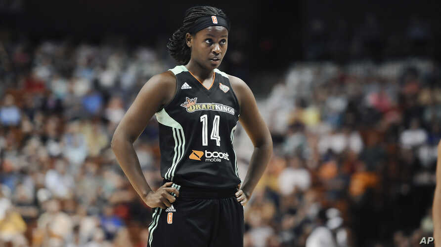 The New York Liberty's Sugar Rodgers pauses during a WNBA basketball game in Uncasville, Conn., Aug. 29, 2015.