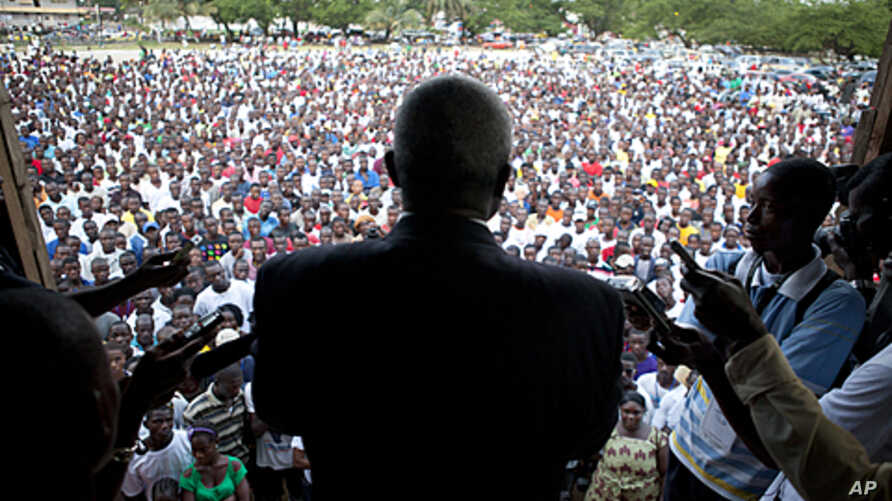 Presidential opposition candidate Winston Tubman speaks to supporters at a rally in Monrovia, Liberia, October 16, 2011.