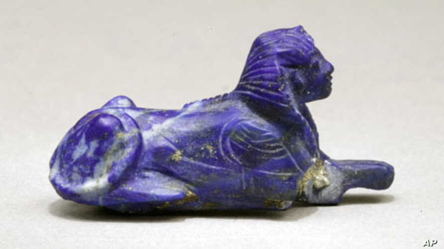 Lapis lazuli bracelet inlay in the form of a sphinx