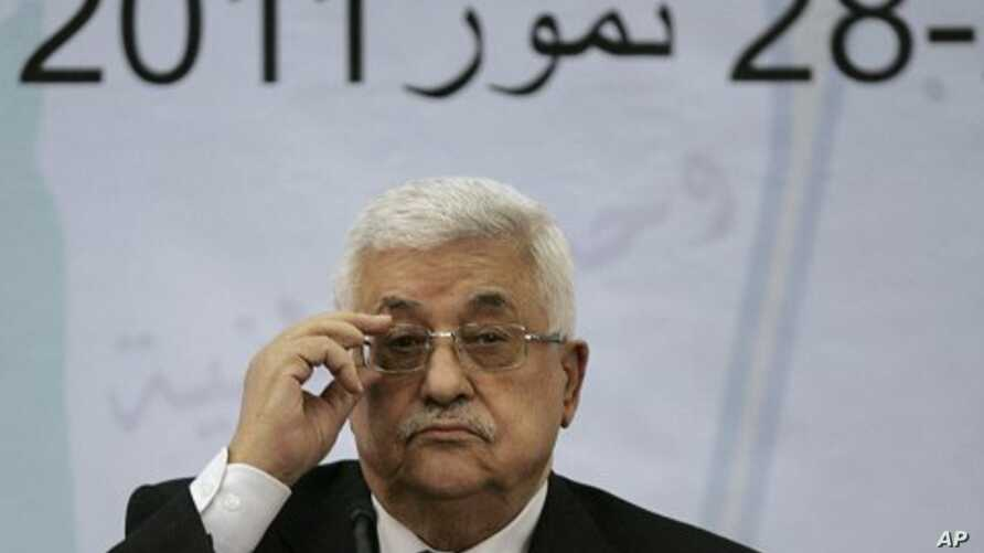 Palestinian President Mahmoud Abbas attends a meeting of the Central Committee of the Palestine Liberation Organization (PLO), in the West Bank city of Ramallah, July 27, 2011