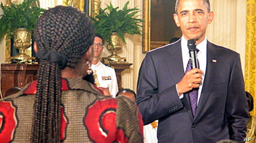 President Obama meeting at the White House with young leaders from 46 sub-Saharan African nations, 03 Aug 2010