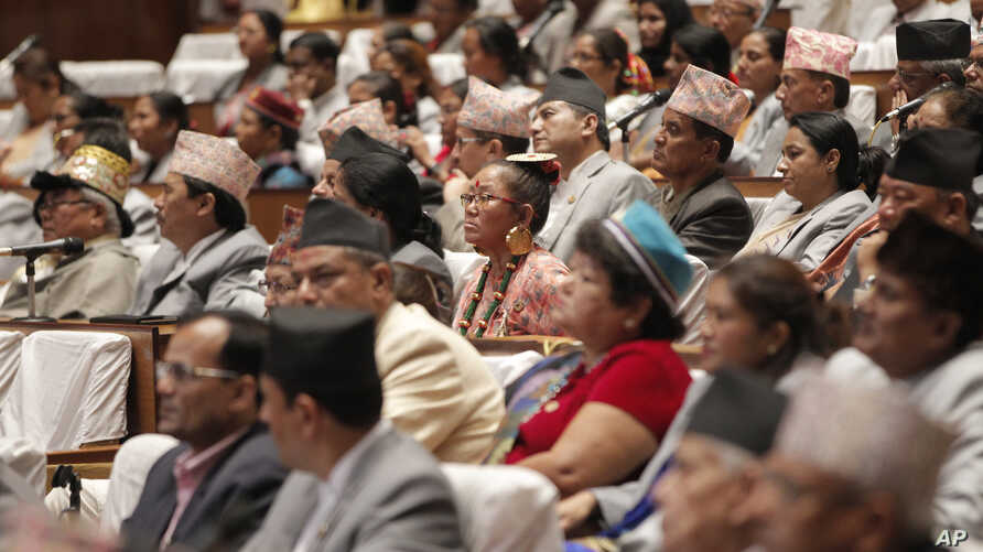Nepalese lawmakers attend the constituent assembly session for the proclamation announcement of the adoption of the nation's new constitution in Kathmandu, Nepal, Sep 20, 2015.