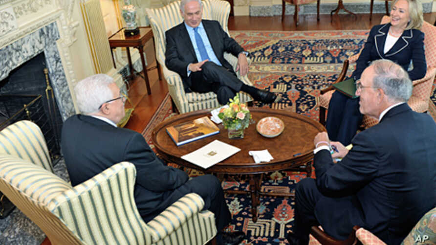 Secretary of State Clinton and Special Envoy Mitchell in trilateral meeting with Israeli Prime Minister Netanyahu and Palestinian Authority President Abbas in the Secretary's Office, 02 Sep 2010