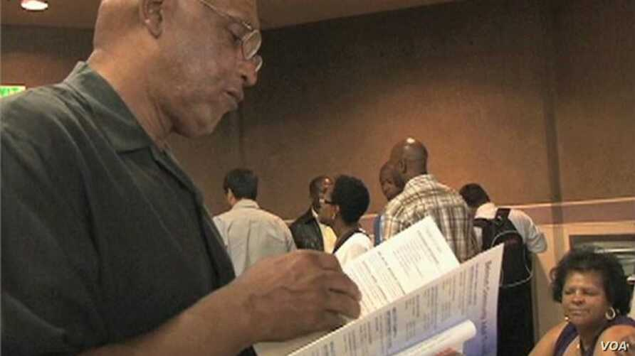 Job Seekers in Poor Section of Los Angeles Struggle to Find Work