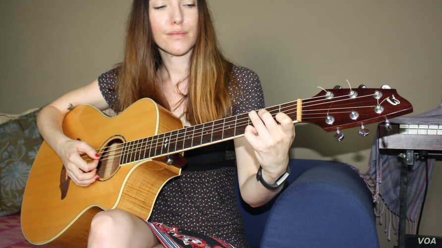 Singer-songwriter Josie Field is soon to become yet another top musician to leave South Africa. (D Taylor/VOA)