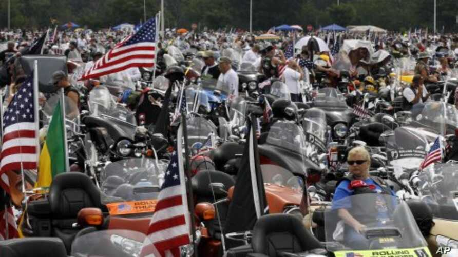 Motorcycles are lined up at the beginning of Rolling Thunder at the Pentagon in Washington for the traditional annual Memorial Day weekend event, May 29, 2011