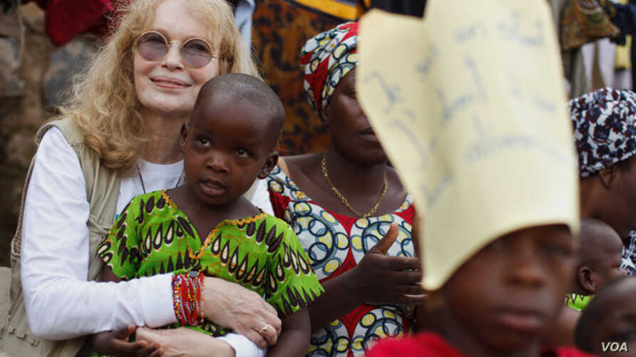 From 12 to 22 February 2012, UNICEF Goodwill Ambassador Mia Farrow travelled to Chad and the Democratic Republic of the Congo to promote expanded polio eradication efforts and to review other UNICEF-supported programs.