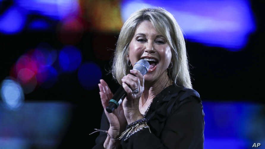 Olivia Newton John performs during the Viña del Mar Intern