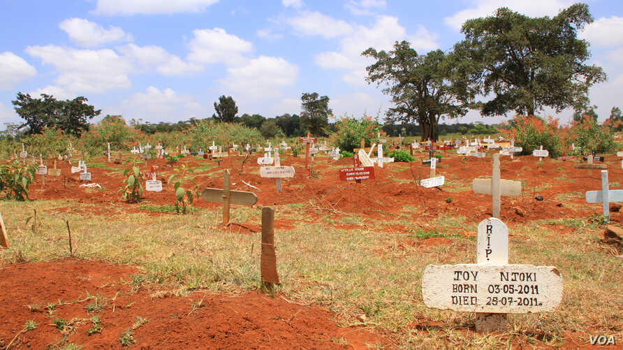 """View of the """"temporary"""" section of Nairobi's Langata Cemetery, October 4, 2012. (J. Craig/VOA)"""