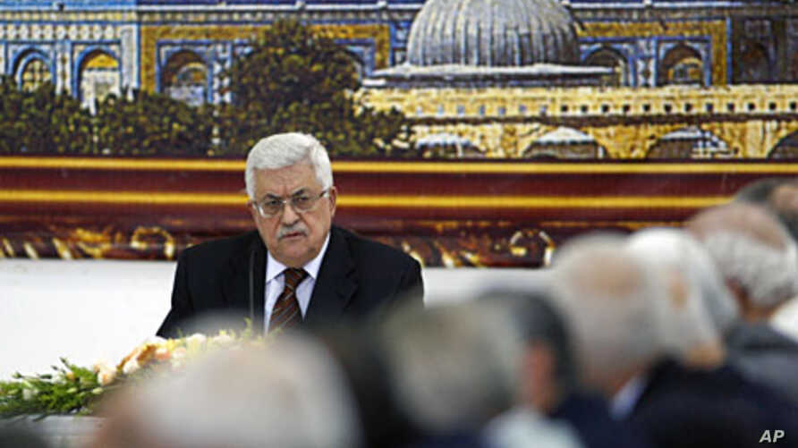 Palestinian President Mahmoud Abbas attends a meeting of the Palestine Liberation Organization (PLO) in the West Bank city of Ramallah May 25, 2011
