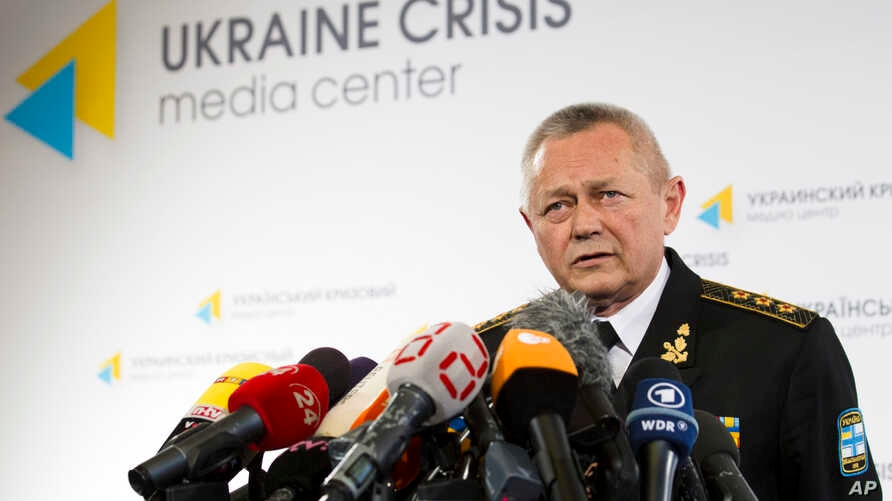 Ukrainian Defence Minister Ihor Tenyukh speaks during a news conference at a hotel in Kiev, March 17, 2014.