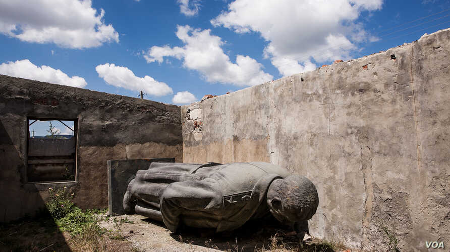 Three years ago, this 6-meter high bronze statue of Josef Stalin, the Soviet dictator, was removed from the central square of Gori, Georgia, his birthplace, and moved to this unroofed shed.