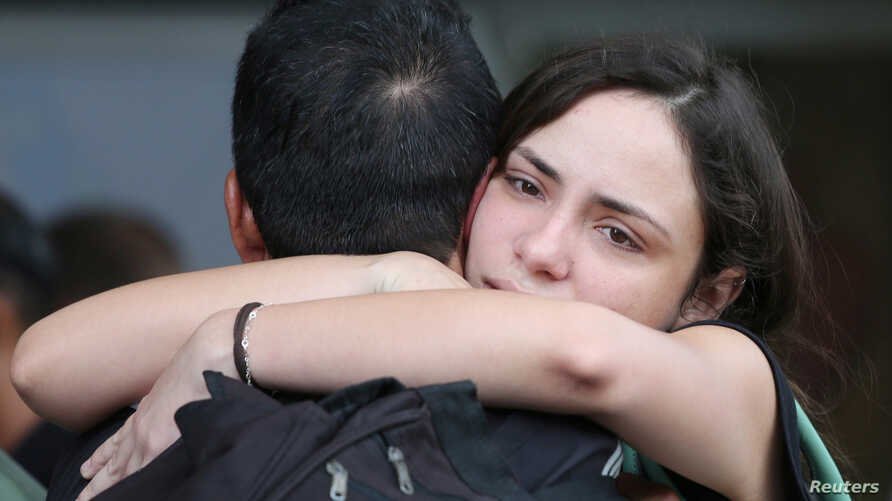 Relatives of victims of the Boeing 737 plane that crashed after taking off from Havana's main airport react at a hotel in Havana, Cuba, May 19, 2018.