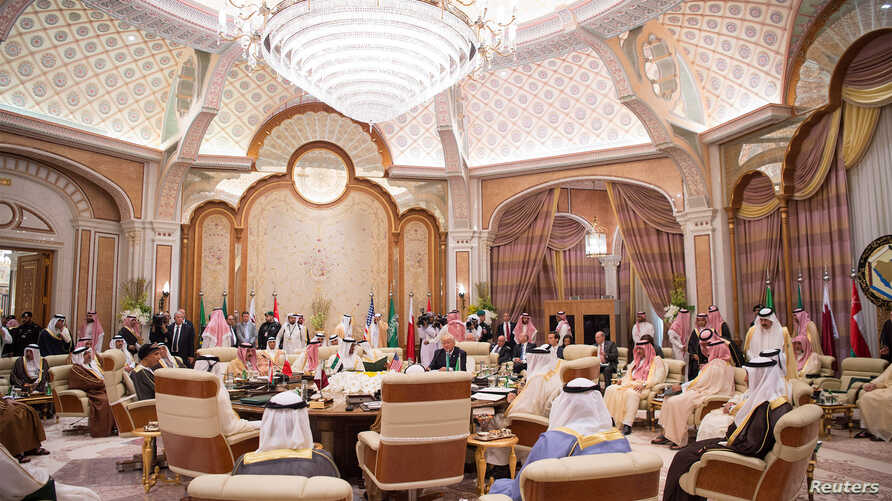 U.S. President Donald Trump meets with Gulf Cooperation Council leaders during their summit in Riyadh, May 21, 2017. Bandar Algaloud/Courtesy of Saudi Royal Court/Handout via Reuters.