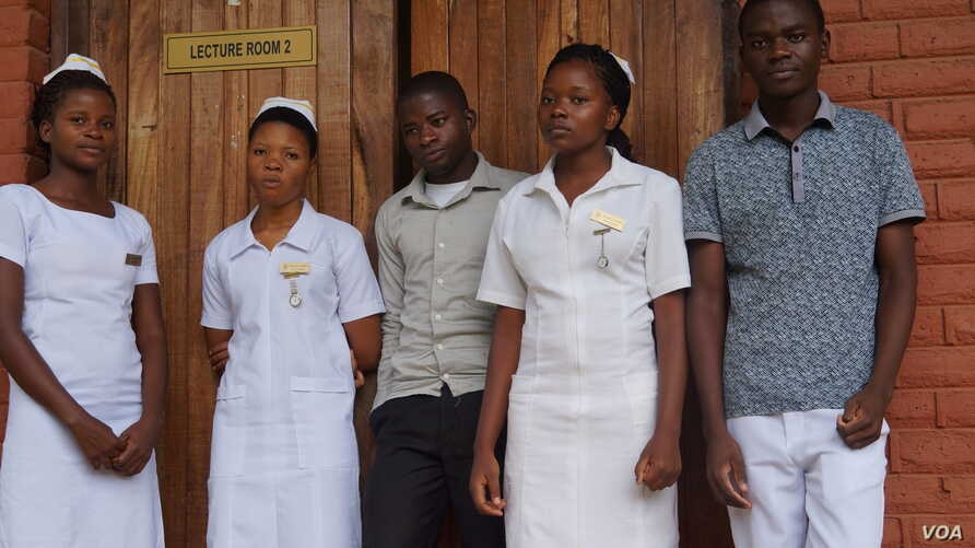 Some of the first-year nursing students under the GAIA scholarship program are seen at Kamuzu College of Nursing in Blantyre, Malawi. (L. Masina/VOA)