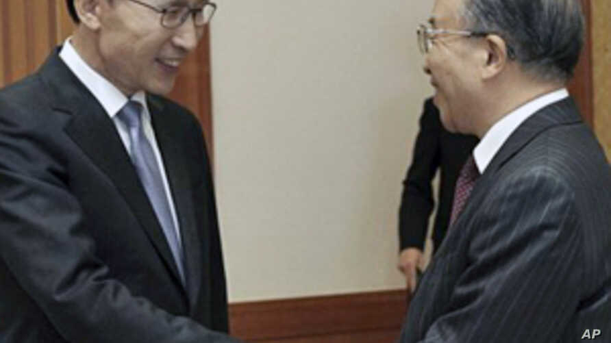 China Quiet One Day After Proposing Talks on Korea Tensions