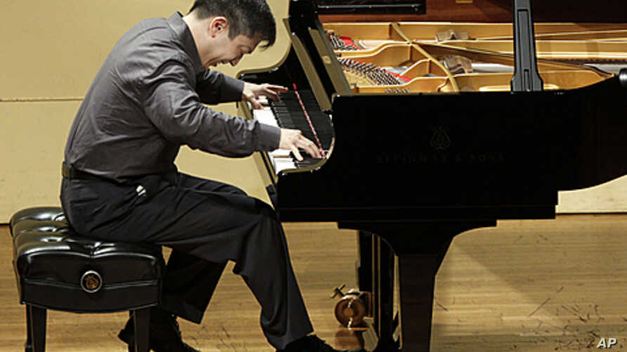 Christopher Shih, a physician from Maryland, competes in the semi-final round of the sixth International Piano Competition for Outstanding Amateurs hosted by the Van Cliburn Foundation in Fort Worth, Texas, May 28, 2011.