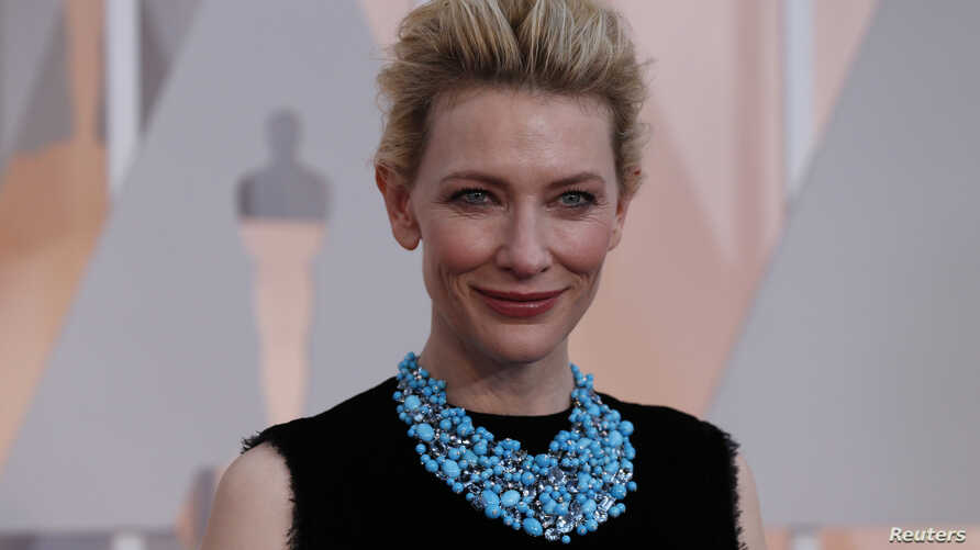 Actress Cate Blanchett, wearing a Tiffany necklace, arrives at the 87th Academy Awards in Hollywood, California, Feb. 22, 2015.