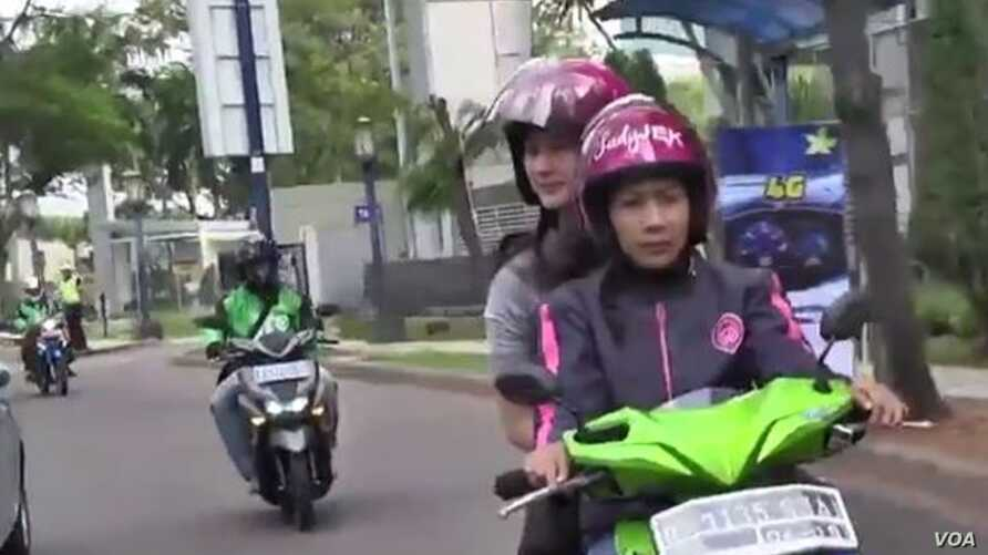 Indonesian service LadyJek provides a transportation alternative for women. who feel more comfortable being driven by women bikers.