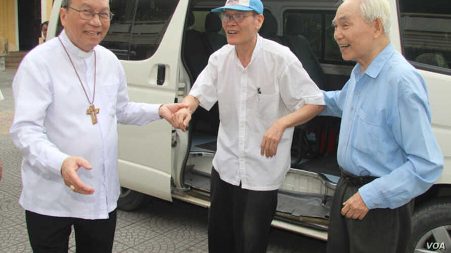 Father Nguyen Van Ly released ahead of Obama visit 越南天主教神父阮文理在奥巴马访问前被释放。(2016年5月20日)