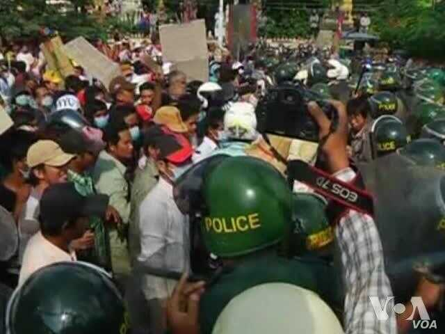 1 Dead, 5 Injured as Cambodian Garment Workers Protest