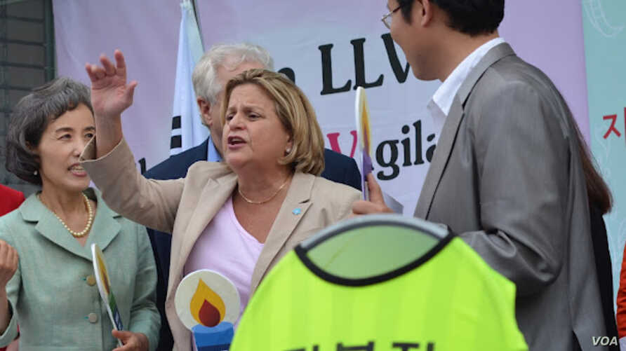 U.S. Representative Ileana Ros-Lehtinen across the street from the Chinese Embassy in Seoul demanding all North Korean refugees in China be allowed safe passage to South Korea or other democratic nations, Seoul, South Korea, May 24. 2012. (Youmi Kim/