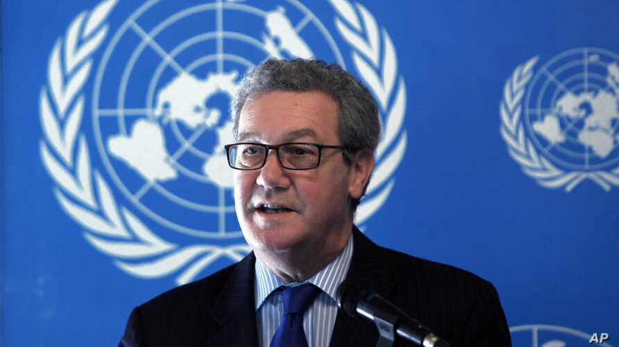 The outgoing United Nations envoy to ethnically split Cyprus Alexander Downer speaks to the media during a press conference in divided capital Nicosia, Cyprus, March 27, 2014.