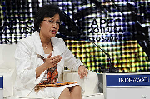 Sri Mulyani Indrawati, managing director of The World Bank, speaks at the Asia-Pacific Economic Cooperation summit, November 11, 2011, in Honolulu, Hawaii.