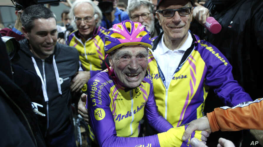 France Hour Record 105 Years Old