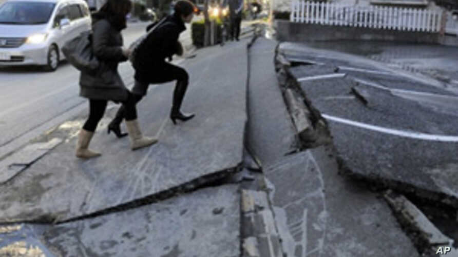 VOA Hour-by-Hour Blog on Earthquake in Japan