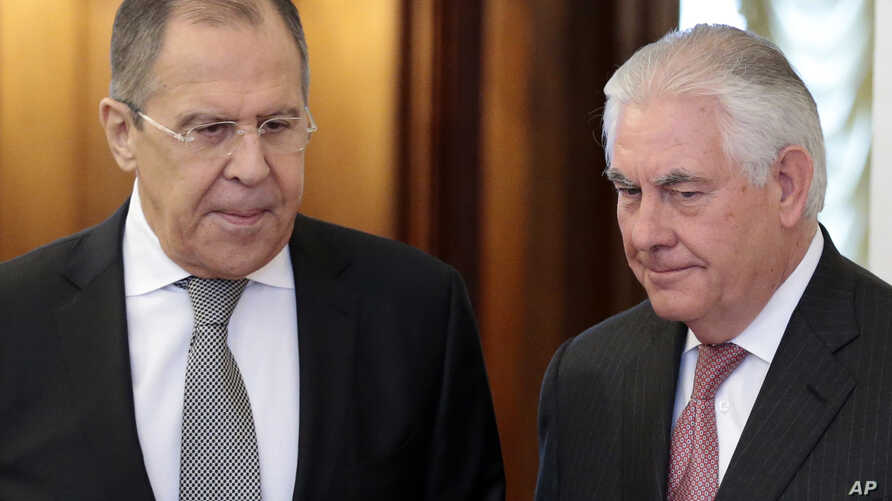 US Secretary of State Rex Tillerson,right, and Russian Foreign Minister Sergey Lavrov, enter a hall prior to their talks in Moscow, Russia, April 12, 2017.