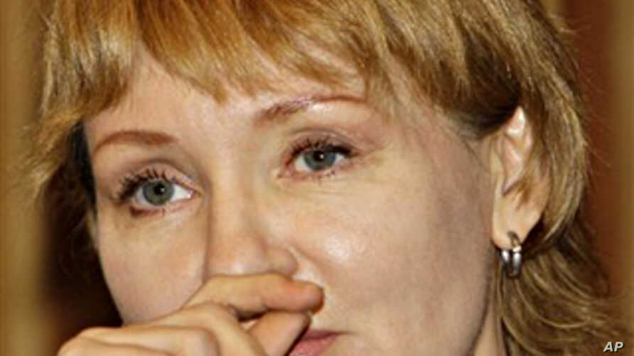 Alla Bout, wife of suspected Russian arms smuggler Viktor Bout, reacts during a press conference at Foreign Correspondents Club of Thailand in Bangkok, Thailand, 22 Nov.  2010