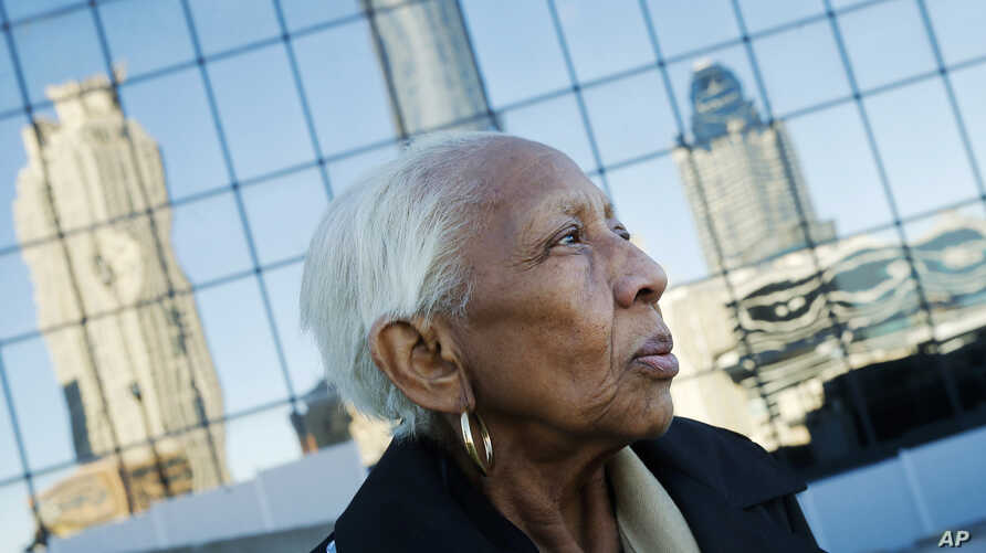 FILE -In this Jan. 11, 2016 file photo, Doris Payne poses for a photo in Atlanta. Police just outside Atlanta say a notorious 86-year-old jewel thief has struck again.