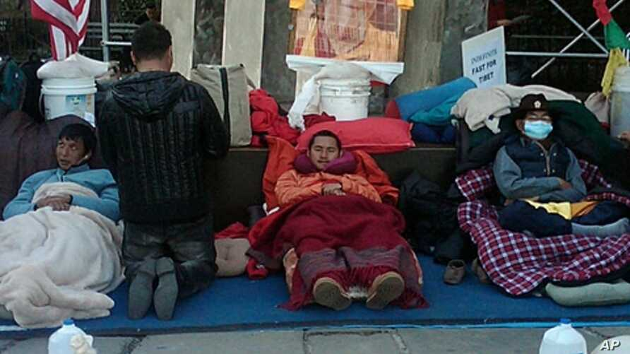 Tibetans outside UN headquarters enter 17th day of their water-only fast for human rights, March 9 2012.
