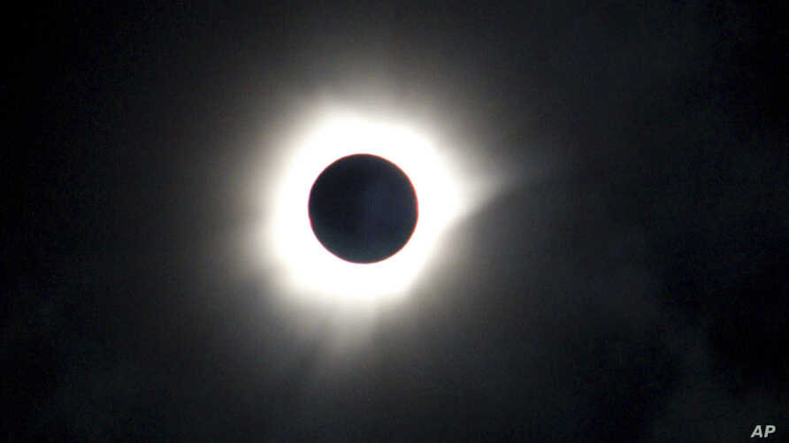 A total solar eclipse is seen in Luwuk, Central Sulawesi, Indonesia, Wednesday, March 9, 2016.